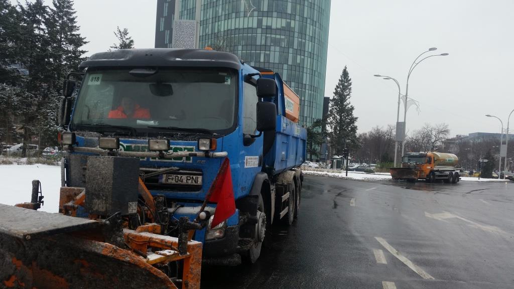 Circulație în condiții normale de iarnă pe străzile Sectorului 1