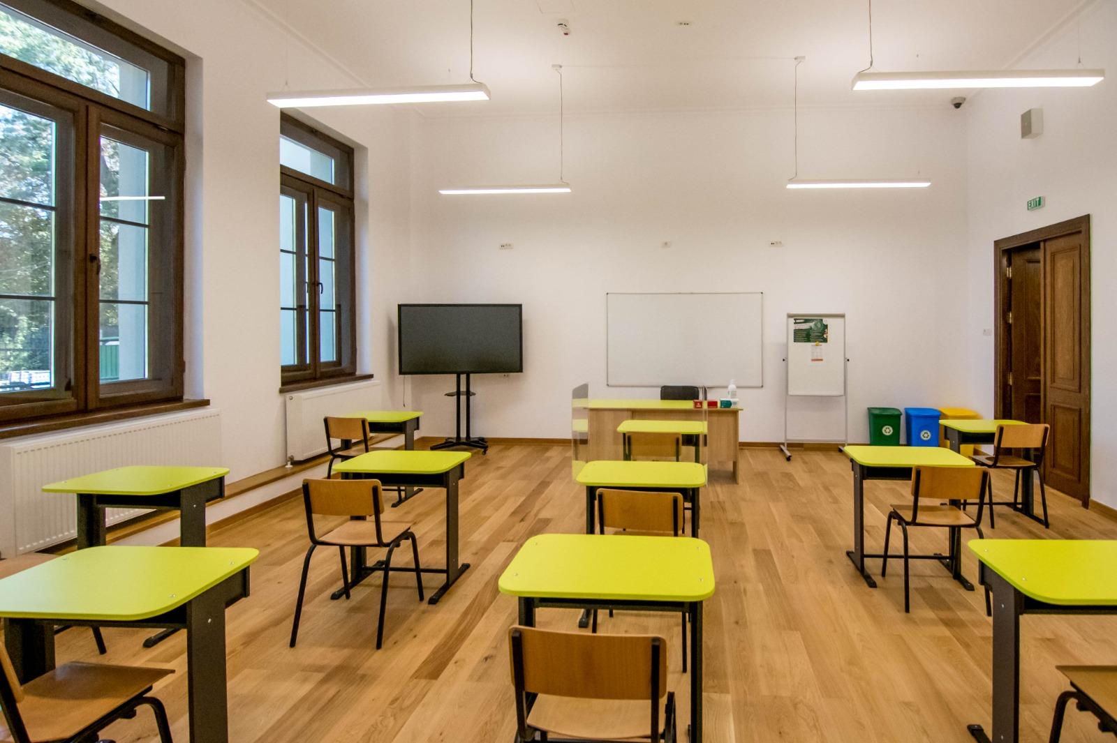 O nouă tranșă a burselor pentru elevi, achitată de către Primăria Sectorului 1